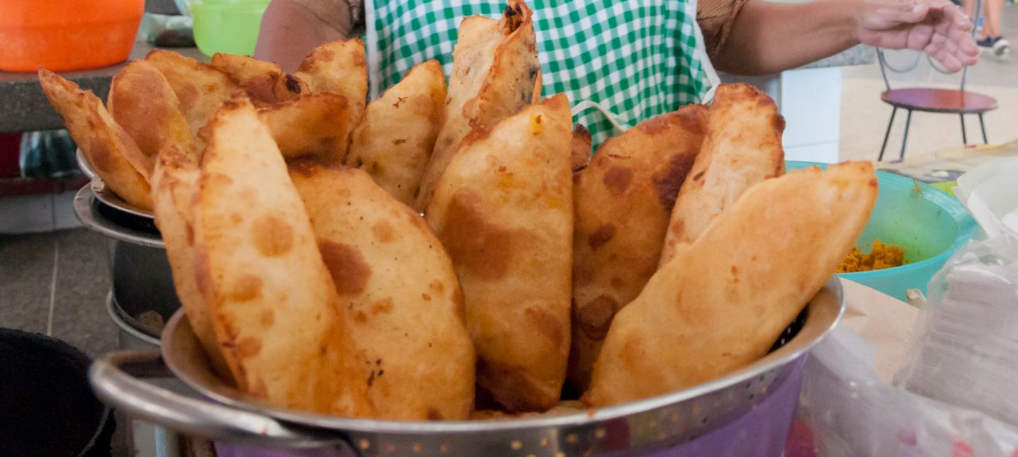 empanadas de cazon